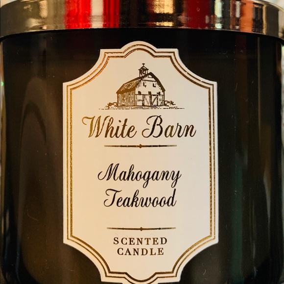 White Barn 3 Wick Candle Mahogany Teakwood Nwt
